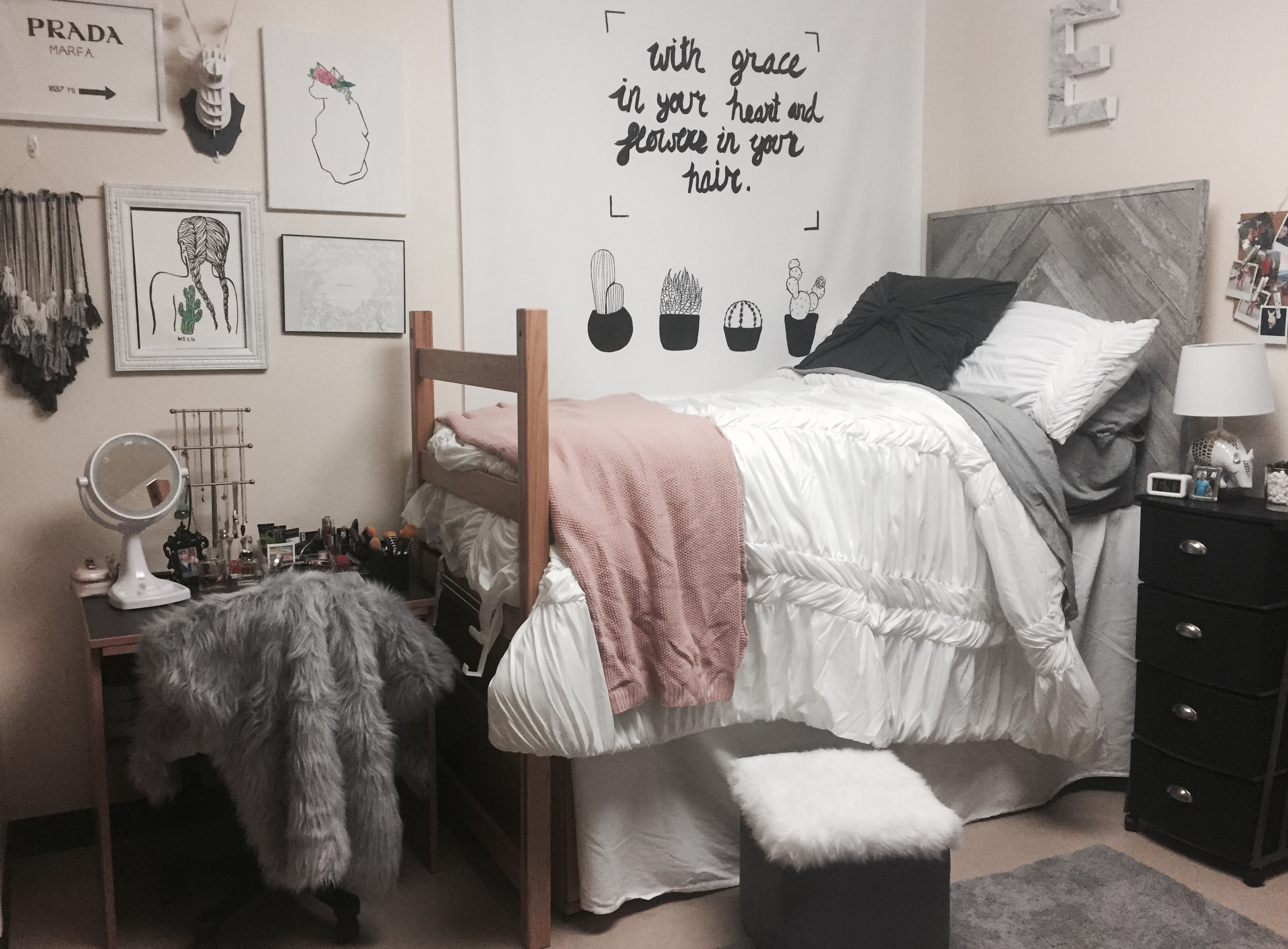 Creative dorm room ideas to make your space more cozy - Dorm room bedding ideas ...